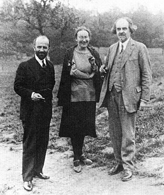 Fr. Stefan Zankov (l.), Elizaveta Skobtsov (Saint Maria of Paris) and Nicholas Berdiaev. Paris, c. 1930. Photo: Mother Maria Skobtsov Archives, Paris.